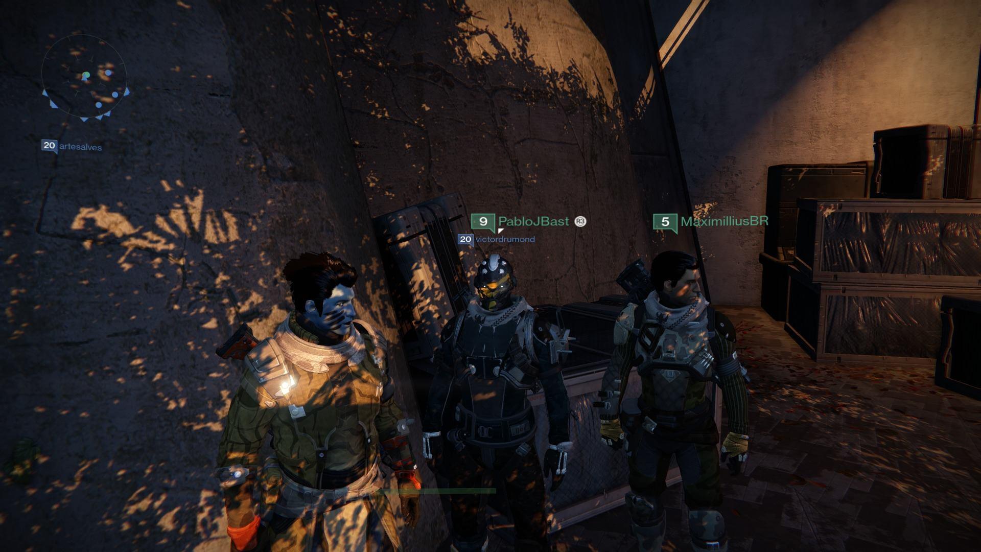 Destiny com amigos